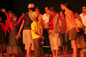 Danza creativa: Para los niños y niñas de 7 a 10 años.